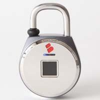 ロジック TouchLock XL (Big)  シルバー FL0909 鍵の要らない指紋認証型スマート南京錠「TouchLock(タッチロック)」 IP54防水防塵タイプ:関西・大阪・なんば・日本橋近辺でPCをパーツ買うならTSUKUMO BTO Lab. ―NAMBA― ツクモなんば店!